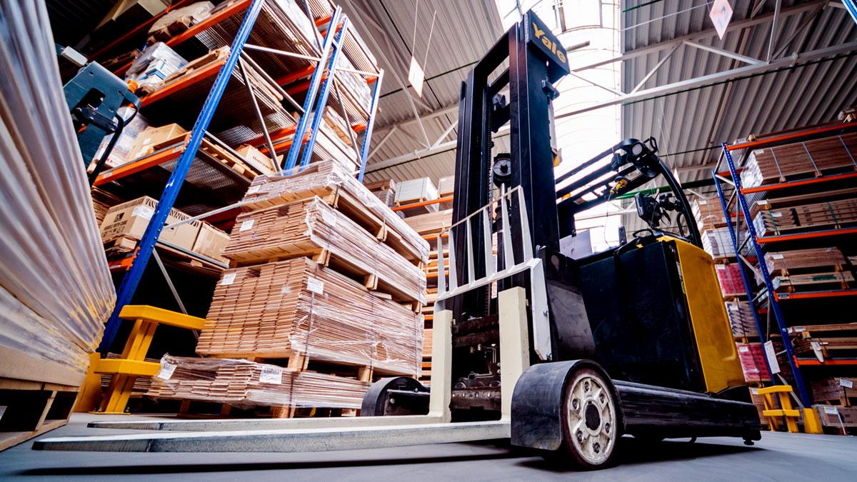 Logistics & Warehousing Should Adopt Air Purification Solutions